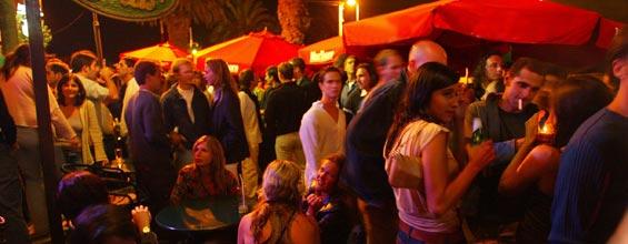 Milhares se reunem todas as noites em La Barra - Foto: Conrad Punta del Este Resort e Casino